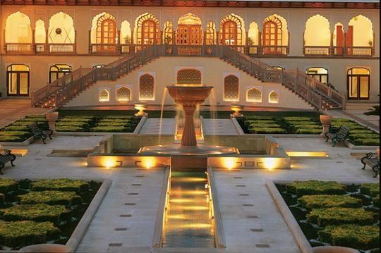 Choáng ngợp 8 khách sạn từng là cung điện xa hoa bậc nhất đất Phật - Ảnh 5.