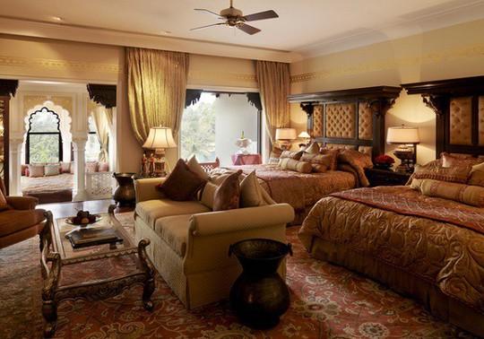 Choáng ngợp 8 khách sạn từng là cung điện xa hoa bậc nhất đất Phật - Ảnh 6.