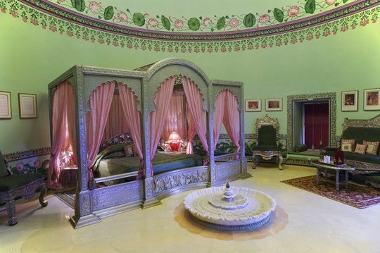 Choáng ngợp 8 khách sạn từng là cung điện xa hoa bậc nhất đất Phật - Ảnh 10.