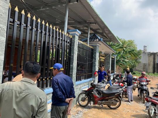 Binh Duong Chong chet vo nguy kich trong can nha khoa cong