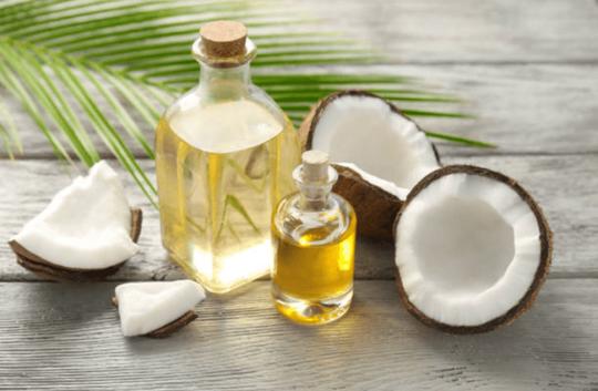 Có nên dùng dầu dừa trong chế biến món ăn? - Ảnh 1.