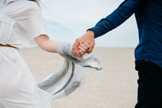 Anh không thể cưới, nhưng đừng bỏ anh - Ảnh 1.