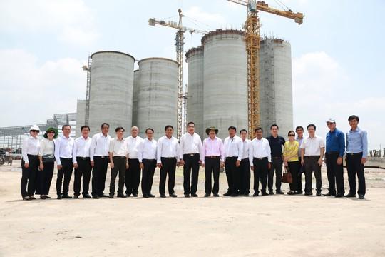 C.P. Việt Nam ký kết hợp tác xây dựng chuỗi sản xuất thịt gà an toàn dịch bệnh - Ảnh 2.