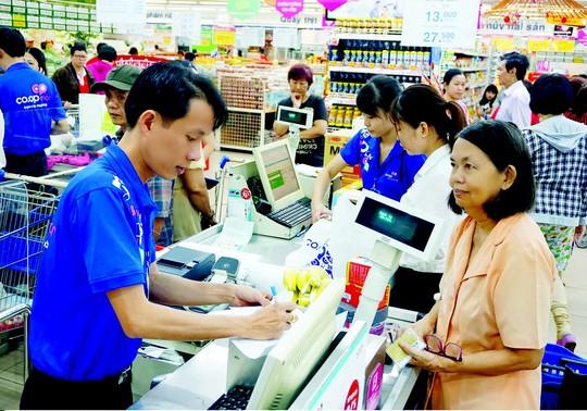Nhiều ưu đãi cho khách hàng khi mua sắm cuối tuần