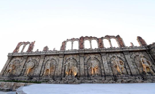 """Theming giả cổ: nghệ thuật kiến tạo """"thị trấn Amalfi"""" trên đảo Ngọc - Ảnh 2."""