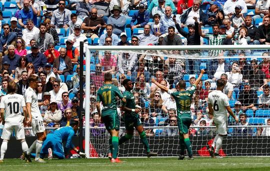 Real Madrid kết thúc mùa giải bằng thất bại tệ hại - Ảnh 4.