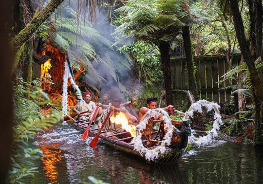 Ca sĩ Hoàng Bách chia sẻ trải nghiệm du lịch New Zealand - Ảnh 2.