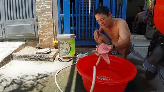 Đà Nẵng: Người dân một số khu vực khốn đốn vì nước sạch không có một giọt - Ảnh 2.