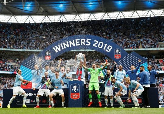 Ngoại hạng Anh khó tái xuất tháng 5, FA Cup dời đến tháng 9 - Ảnh 1.