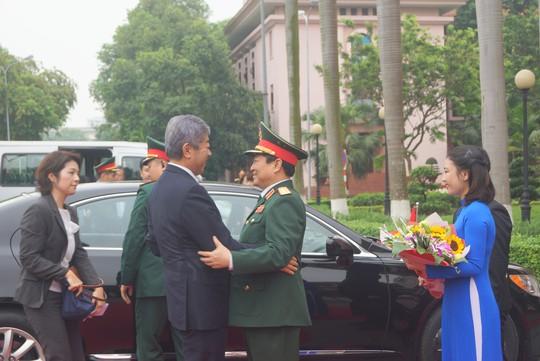 Bộ trưởng Quốc phòng Nhật Bản thăm chính thức Việt Nam - ảnh 2
