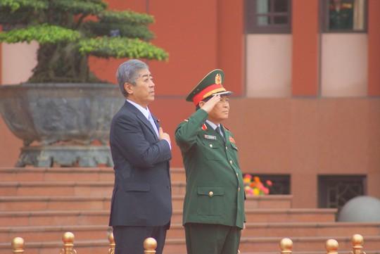 Bộ trưởng Quốc phòng Nhật Bản thăm chính thức Việt Nam - ảnh 4