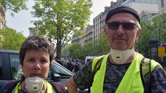 Hàng chục ngàn người biểu tình, Pháp chìm trong bạo loạn - Ảnh 5.