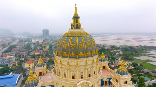 Choáng ngợp trước lâu đài ngàn tỉ đồng của đại gia Ninh Bình - Ảnh 2.