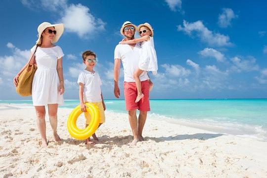 Bí quyết da không bị đen khi đi tắm biển dành cho các nàng - Ảnh 2.