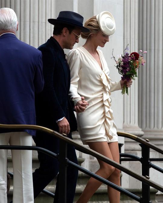 Jude Law bí mật kết hôn lần hai - Ảnh 1.