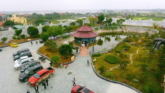 Choáng ngợp trước lâu đài ngàn tỉ đồng của đại gia Ninh Bình - Ảnh 3.
