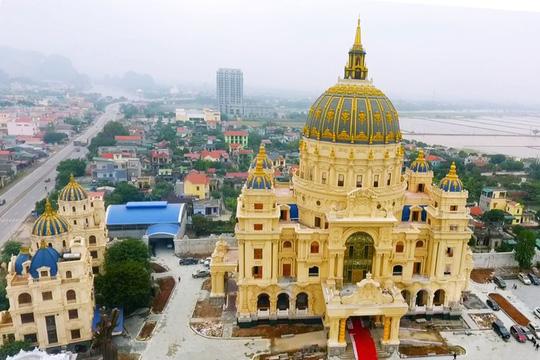 Choáng ngợp trước lâu đài ngàn tỉ đồng của đại gia Ninh Bình - Ảnh 6.