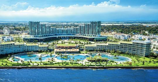 Đón hơn 70 vạn lượt khách trong Đại lễ, du lịch Sầm Sơn bội thu - Ảnh 3.