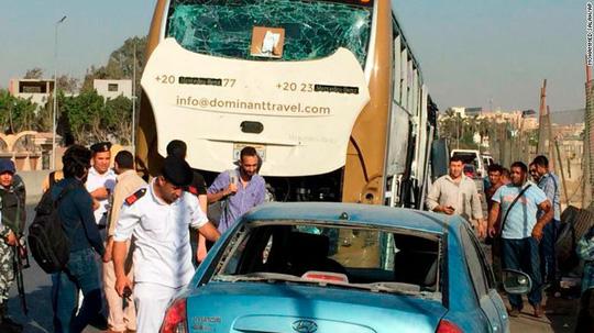 Ai Cập: Xe chở du khách bị đánh bom gần nơi du khách Việt thiệt mạng - Ảnh 2.