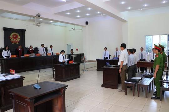 Nguyen giam doc So Dia chinh Binh Duong lanh 12 nam tu
