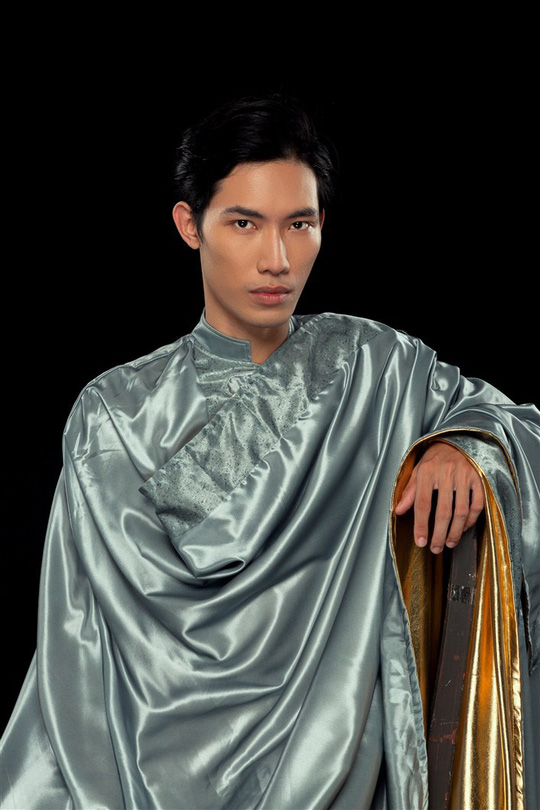 Trang phục cho show nghệ thuật Vũ hội Ánh Dương được làm cầu kỳ ra sao? - Ảnh 1.