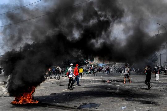 Indonesia bùng nổ bạo lực sau bầu cử - ảnh 1