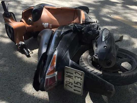 Nha Trang: Lao xe khống chế tên cướp, giật điện thoại của du khách Hàn Quốc - Ảnh 2.