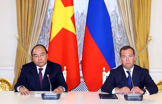 Thủ tướng Nguyễn Xuân Phúc hội kiến Tổng thống Nga Putin - Ảnh 6.
