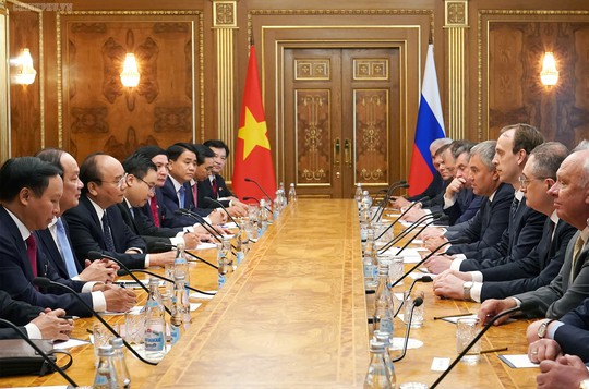 Thủ tướng Nguyễn Xuân Phúc hội kiến Tổng thống Nga Putin - Ảnh 5.
