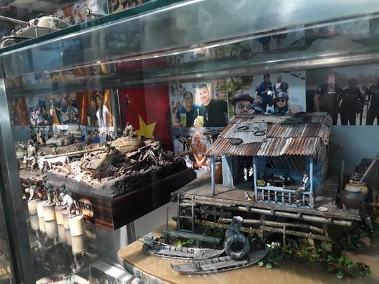 Nhà nổi trên sông Việt Nam làm người Nhật xao xuyến - Ảnh 7.