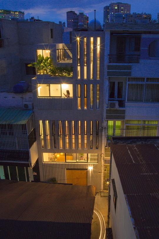 """Nhà ống Sài Gòn """"kiểu dọc"""" trên mảnh đất 18 m2 - Ảnh 3."""