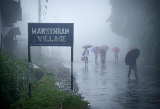 Cuộc sống ở nơi mưa nhiều nhất thế giới - Ảnh 1.