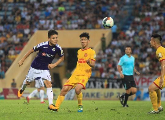 Thua Nam Định, Hà Nội FC chưa biết thắng khi xa sân Hàng Đẫy - Ảnh 1.