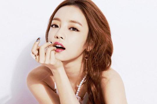 Nữ ca sĩ xinh đẹp Hàn Quốc tự tử bất thành ở nhà riêng - Ảnh 3.