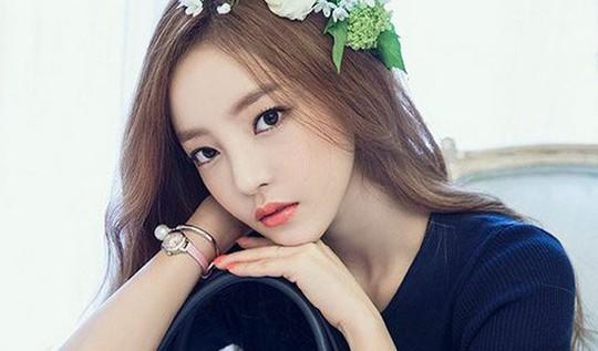 Nữ ca sĩ xinh đẹp Hàn Quốc tự tử bất thành ở nhà riêng - Ảnh 1.