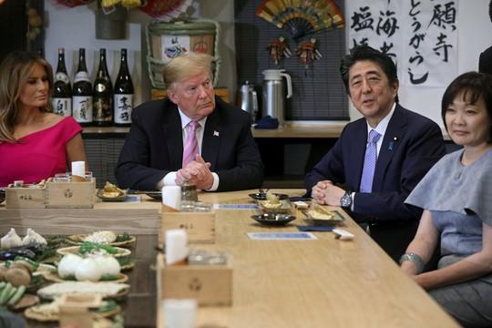 Ông Trump chỏi với Nhật Bản về tên lửa Triều Tiên - Ảnh 1.