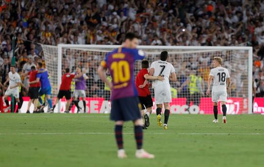 Đá bay Barcelona, Valencia nghẹt thở đoạt Cúp Nhà vua - ảnh 6