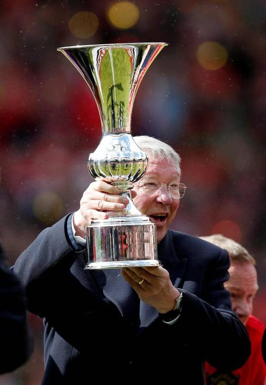 Ferguson tái xuất, Man United đè bẹp Bayern Munich ở Old Trafford - Ảnh 16.