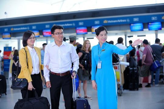"""Vietnam Airlines ra mắt dịch vụ """"Chào đón và đưa dẫn ưu tiên"""" - Ảnh 1."""