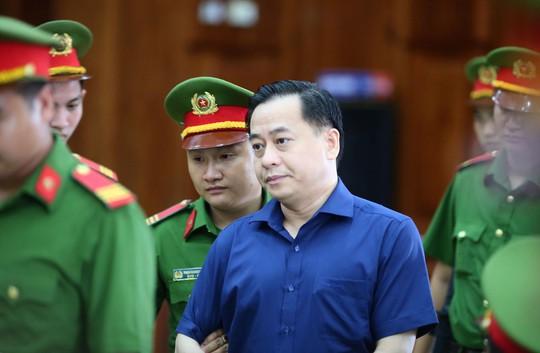 Khong chi lai ngoai thi Ngan hang Dong A se sup do
