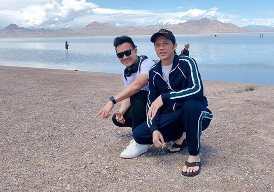 Con trai nghệ sĩ Hoài Linh đăng ảnh du lịch với cha ở Mỹ - Ảnh 3.