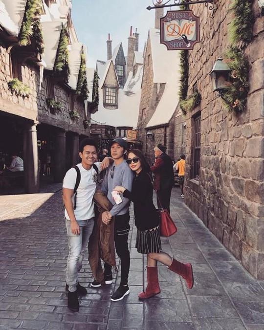 Con trai nghệ sĩ Hoài Linh đăng ảnh du lịch với cha ở Mỹ - Ảnh 6.
