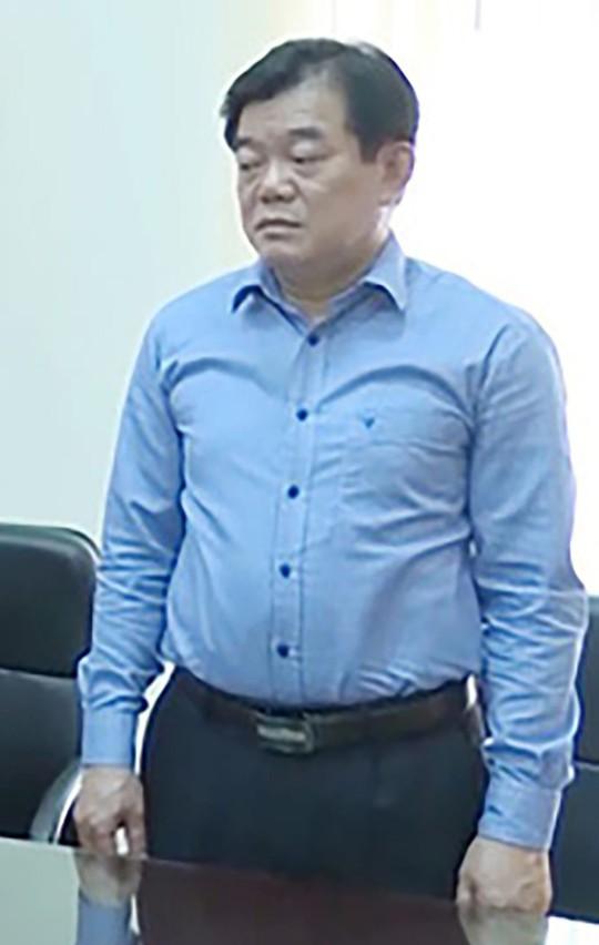 Vu gian lan diem thi o Son La Giam doc So GD-DT Hoang Tien Duc khai gi khi bi trieu tap