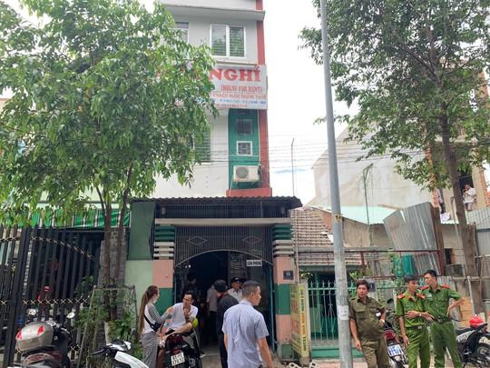 Phat hien co gai tre tu vong trong nha nghi o Binh Duong