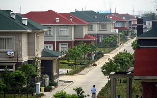 Ngắm ngôi làng giàu có nhất Trung Quốc - Ảnh 3.