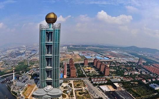Ngắm ngôi làng giàu có nhất Trung Quốc - Ảnh 5.