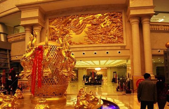Ngắm ngôi làng giàu có nhất Trung Quốc - Ảnh 7.