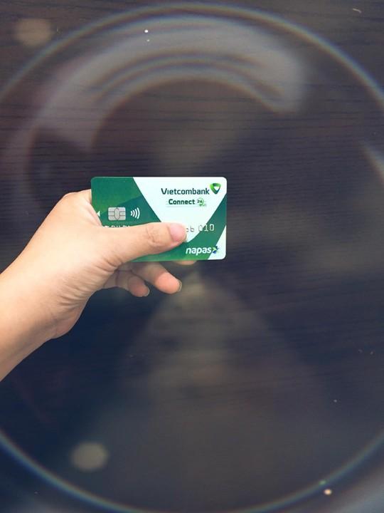 7 ngân hàng đầu tiên chính thức phát hành thẻ chip