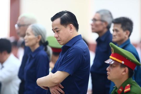 Dien bien bat ngo phien xu Vu Nhom Cuu trung ta xoay qua to nhieu nguoi!