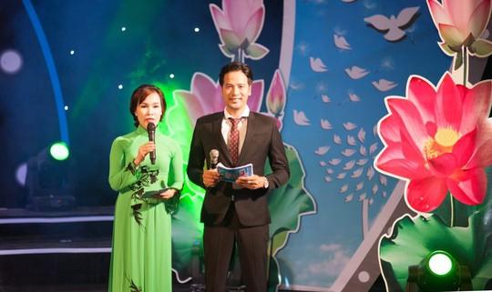 Diễn viên Đoàn Minh Tài bén duyên truyền hình trực tiếp - Ảnh 1.